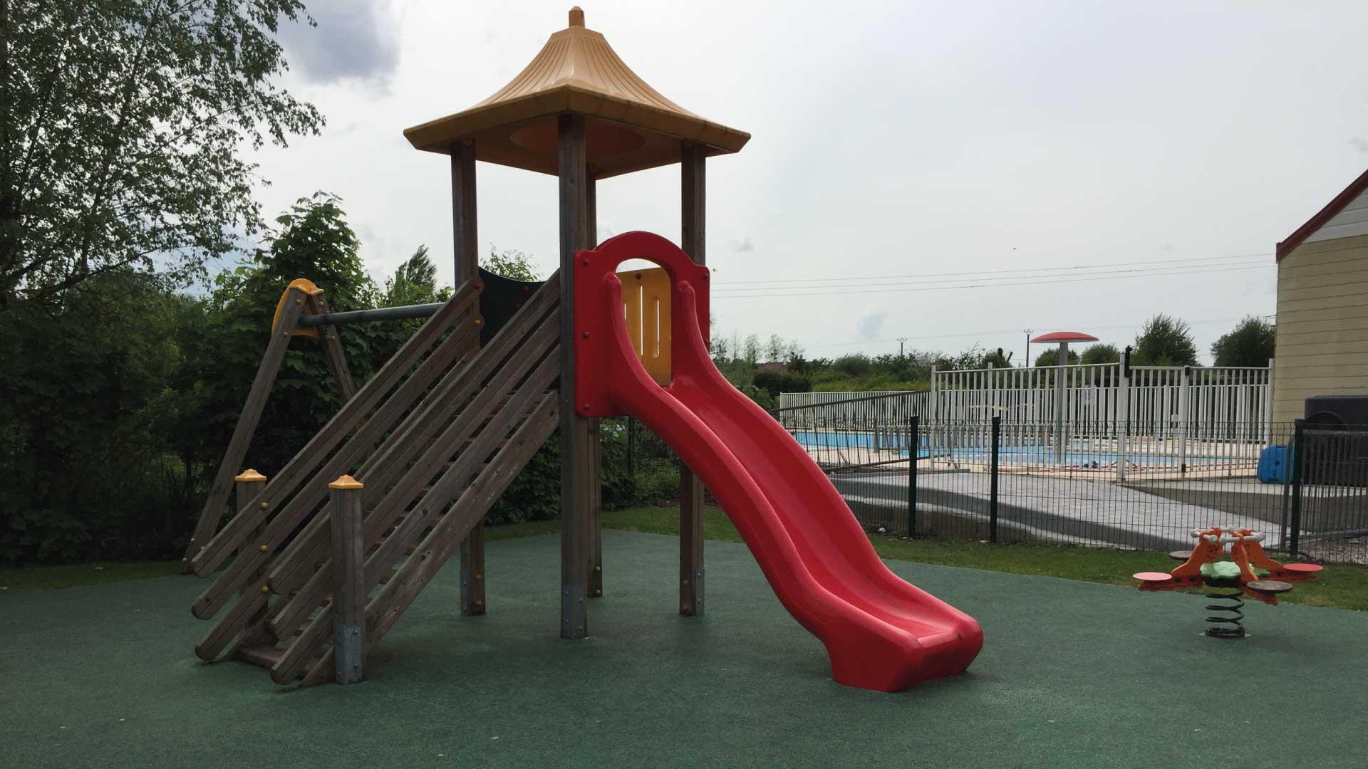 Aire de jeux pour enfants - Camping du Molinel - Tortefontaine